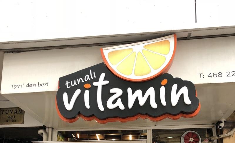 Sosislinin Başkenti: Tunalı Vitamin Büfe